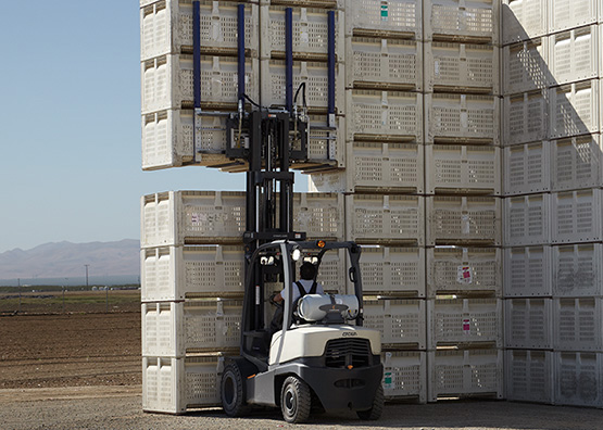for the C-5 gas forklift a range of carriage options is available