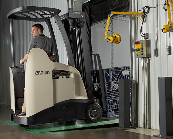 RC stand-up forklift is designed for maximum uptime