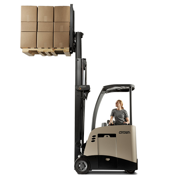 RC stand-up forklift delivers safe and efficient performance