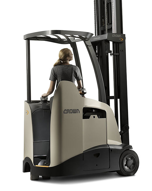 RC stand-up forklift offers industry-leading visibility