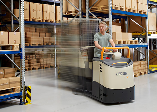 MPC order picker with mast features travel speeds of 12.5 km/h