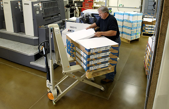 the hand pallet truck with scissor lift provides extra functionality