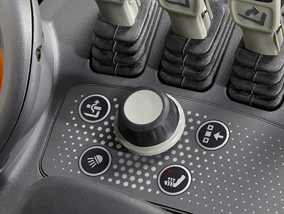 the ESR reach truck features an optional navigation knob