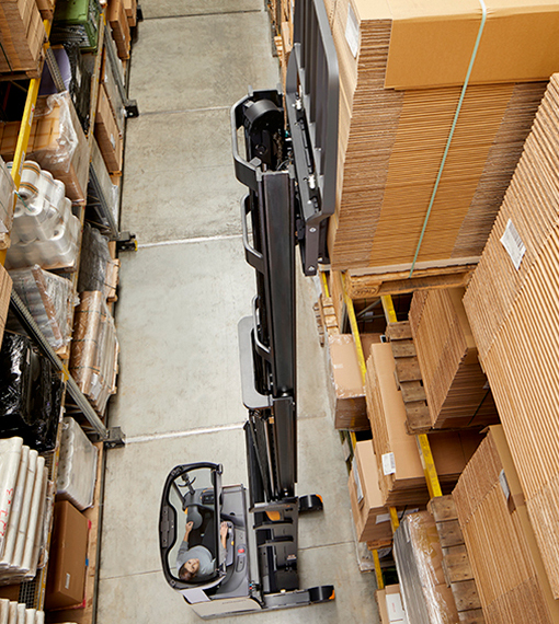 the connected reach truck ESR enables operators to work smarter and faster at height