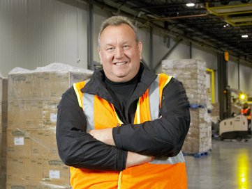 Henningsen Cold Storage customer with testimonial for Crown Forklifts