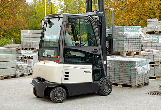 SC 6000 Forklift in an outdoor application