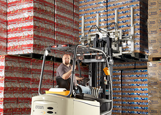 FC Series stacking pallets with optional attachment
