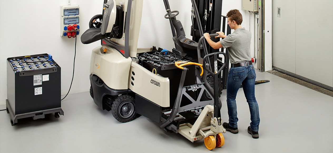 Forklift SC Series with Battery Transfer System