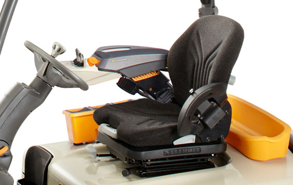 SC Series forklift operator compartment with D4 armrest