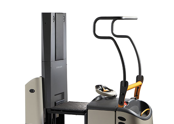 the GPC order picker is available with lifting platform