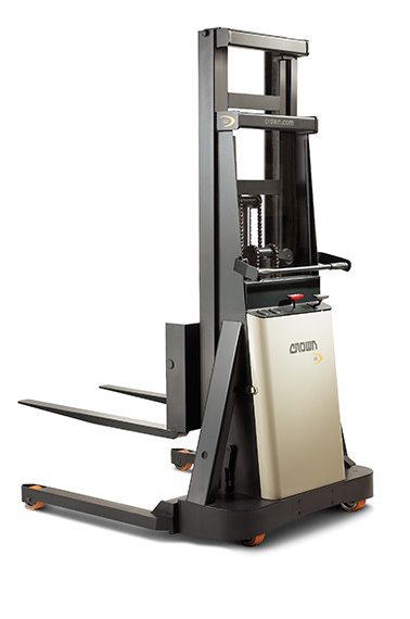 B Series Straddle - Manual Walkie Stacker