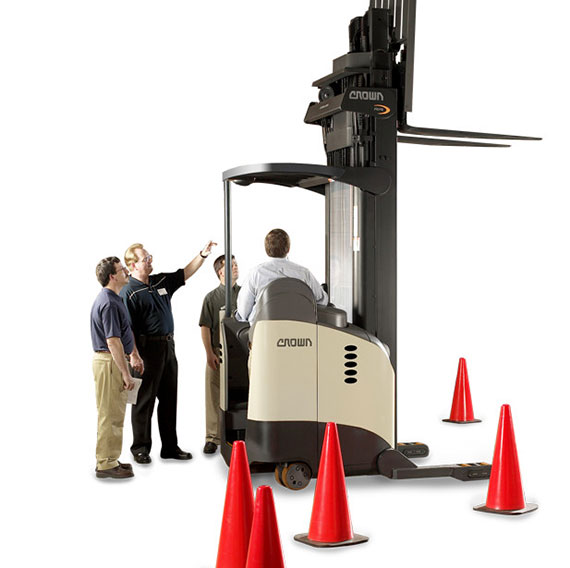operators in DP MoveSafe® program learn important safety features located on lift trucks