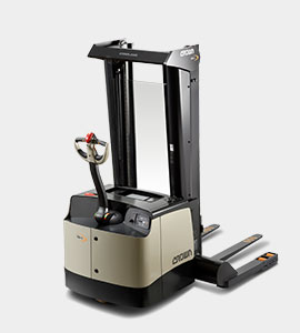 SH Series straddle stacker